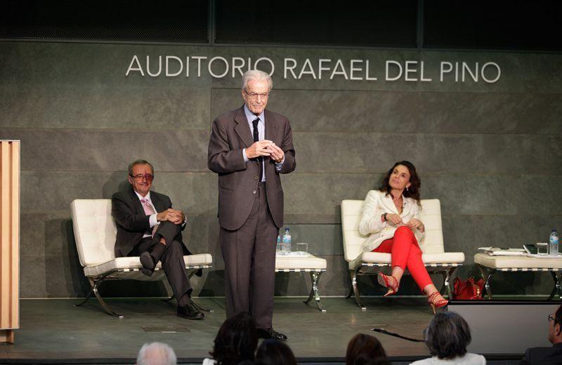 Antonio Garrigues, Mariano Barbacid y Carmen Reviriego